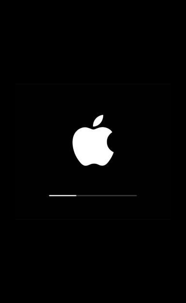 Процесс обновления iOS на экране iPhone