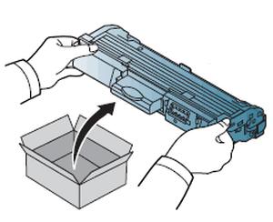 Распаковка картриджа для лазерного принтера компании Canon