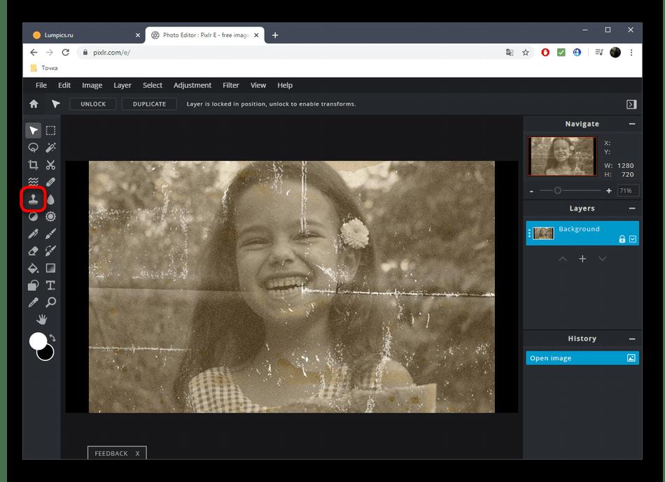 Выбор инструмента Клонирование для рестраврации фото через онлайн-сервис PIXLR