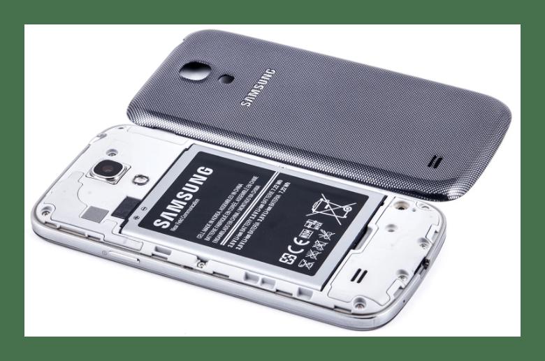 Перезагрузка мобильного устройства Samsung путем извлечения аккумулятор