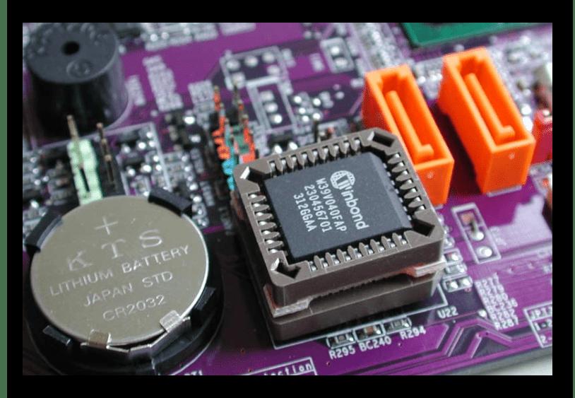 Извлечение батарейки на материнской плате для выхода из BIOS в Windows 7