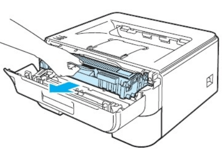 Изъятие картриджа для решения проблемы с включением принтера