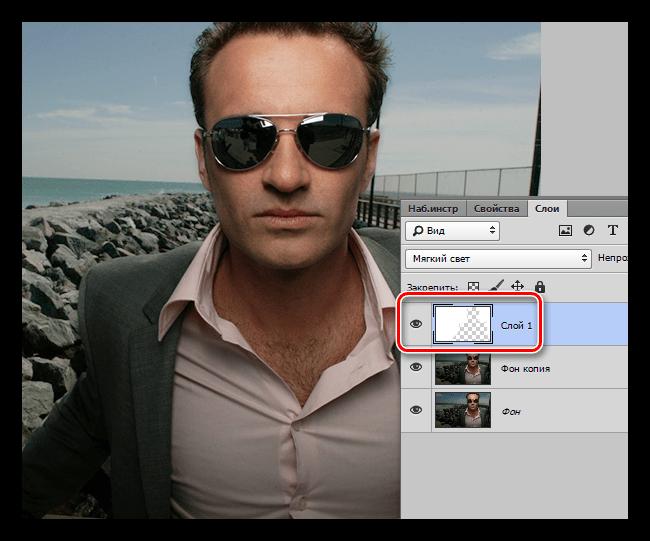 Закрашивание фона белой кистью в Фотошопе