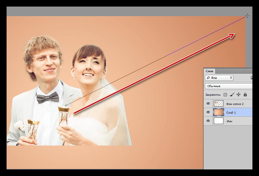 Заливка фона инструментом Градиент при украшении фотографии в Фотошопе