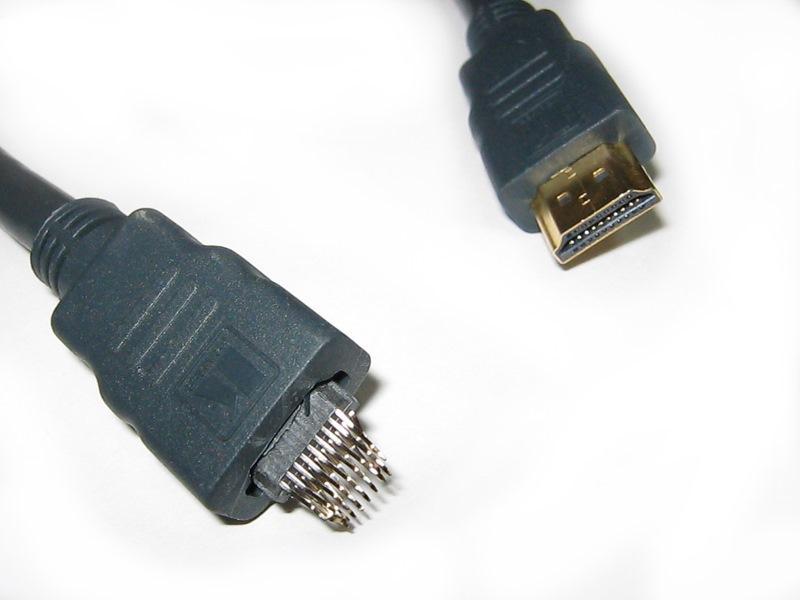 Сломанный HDMI-кабель