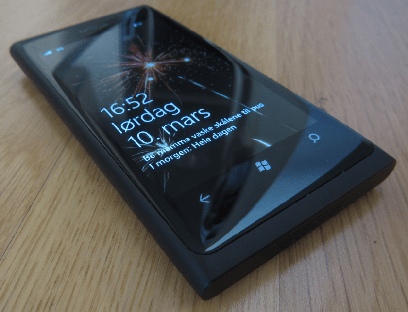 Nokia Lumia 800 RM-801 RainbowMod v2.2