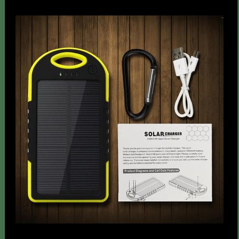 Процесс изучения технической спецификации с солнечной батареи для зарядки ноутбука