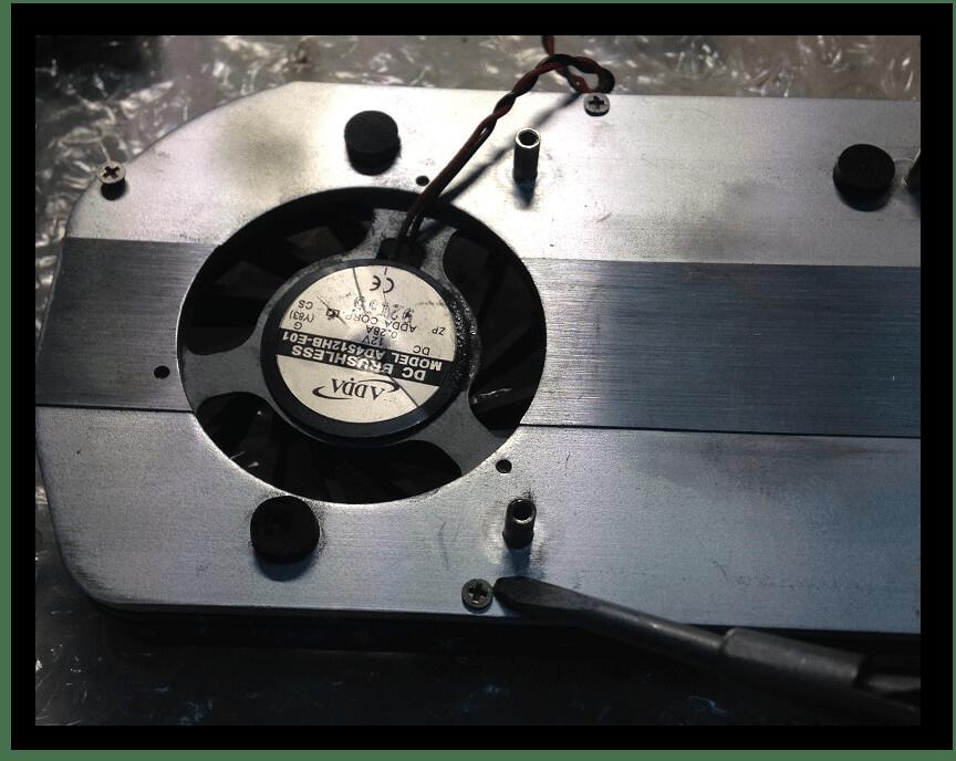 Отсоединение кулера от радиатора видеокарты