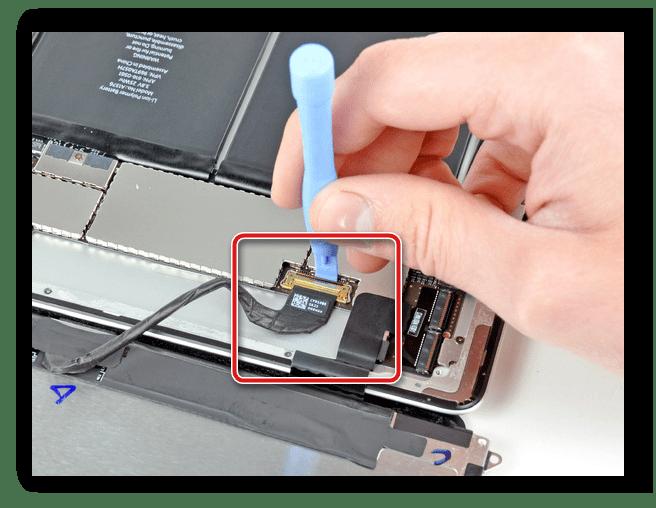 Шлейф, соединяющий материнскую плату и дисплей ноутбука