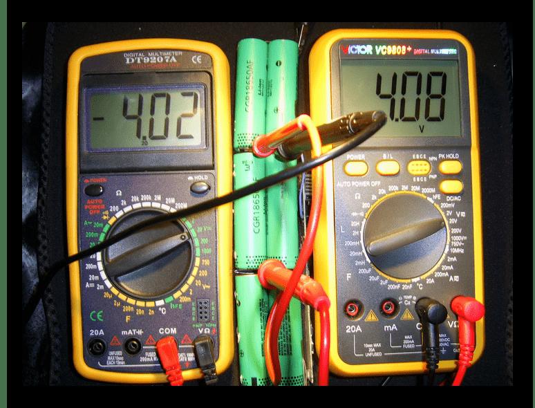 Проверка пары аккумуляторов в батарее от ноутбука
