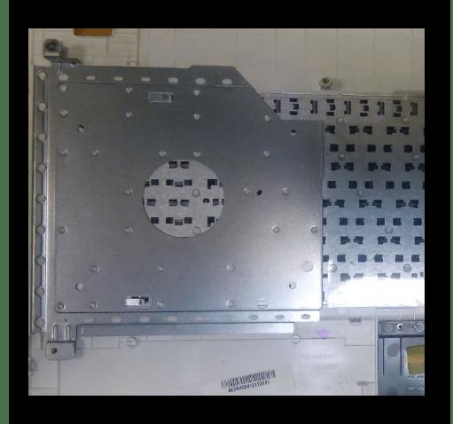 Закрепление металлической пластины на ноутбуке ASUS