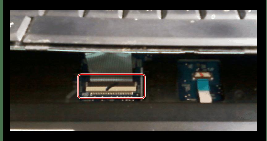 Снятие шлейфа клавиатуры Samsung