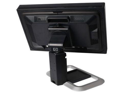 Установка монитора на рабочем столе