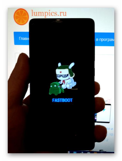 Xiaomi Redmi 3 Pro смартфон в режиме FASTBOOT для прошивки