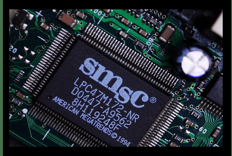 Микросхема BIOS на материнской плате компьютера