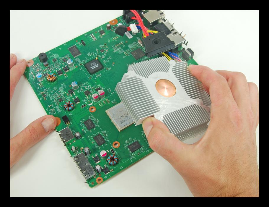 Съём радиатора Xbox 360 во время разборки
