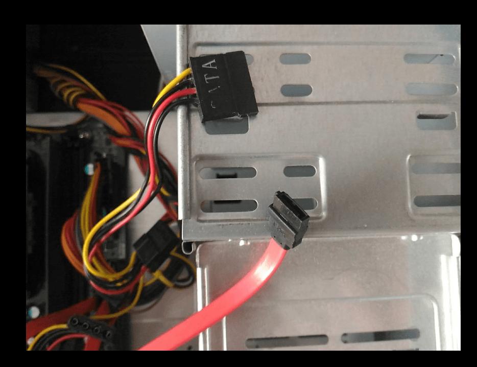 Кабели SATA и питания для подключения диска от ноутбука в компьютер