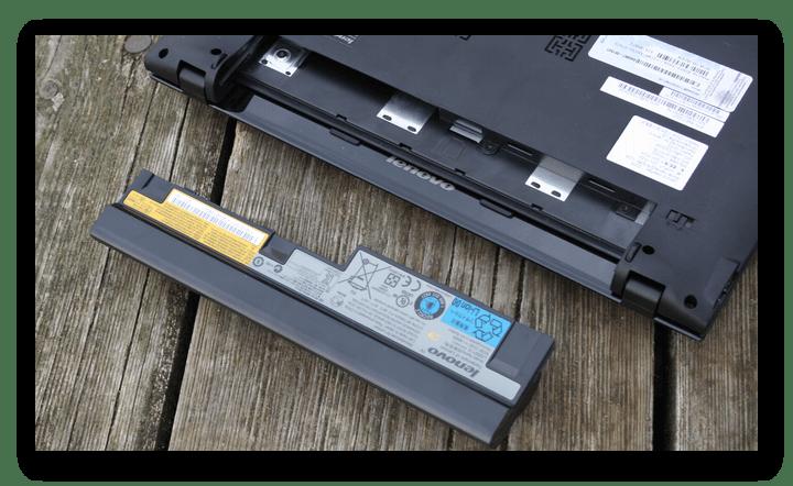 Отсоединение аккумулятора от ноутбука