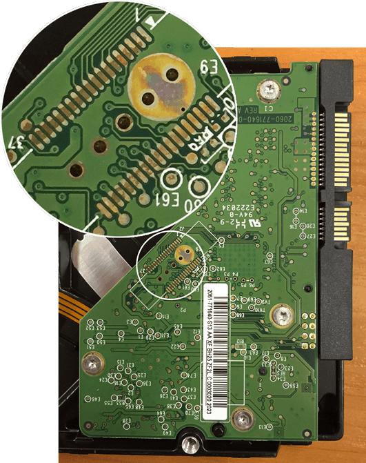 Чистка платы жесткого диска от окисления
