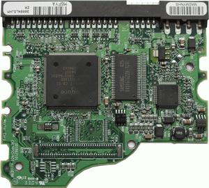Внешний вид контроллера компьютерного жесткого диска